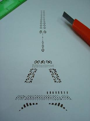 Файл: Эйфелева башня из спичек